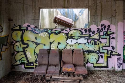 Urbex sofa