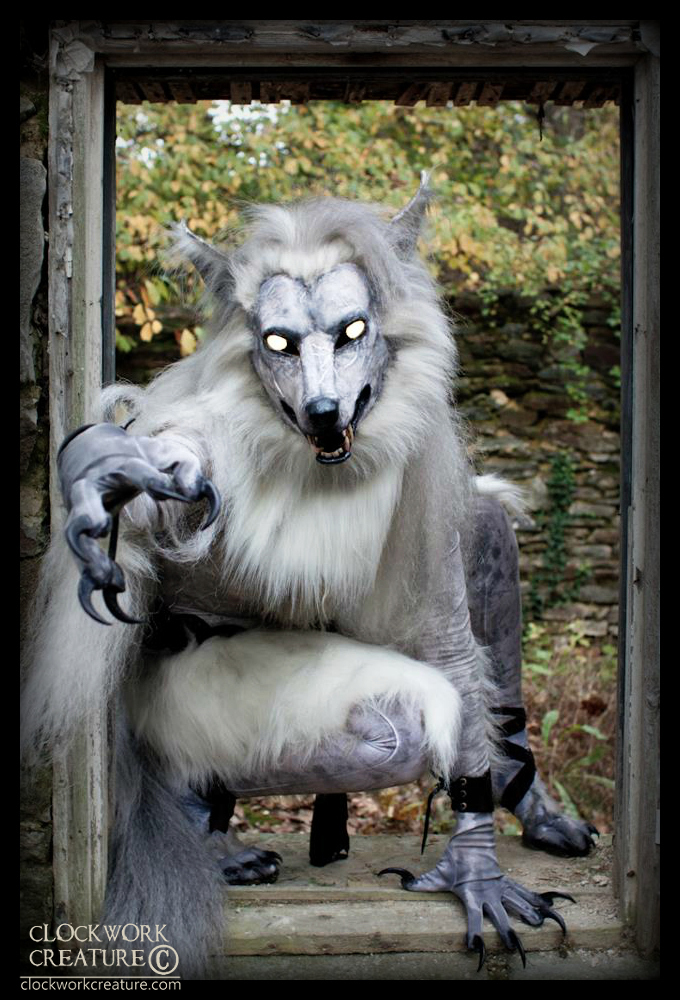 Pale Werewolf by Qarrezel