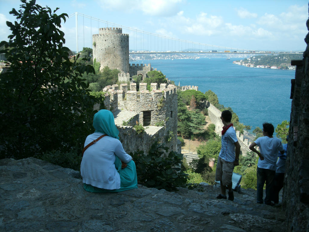 Rumelian Castle by ummiehummie