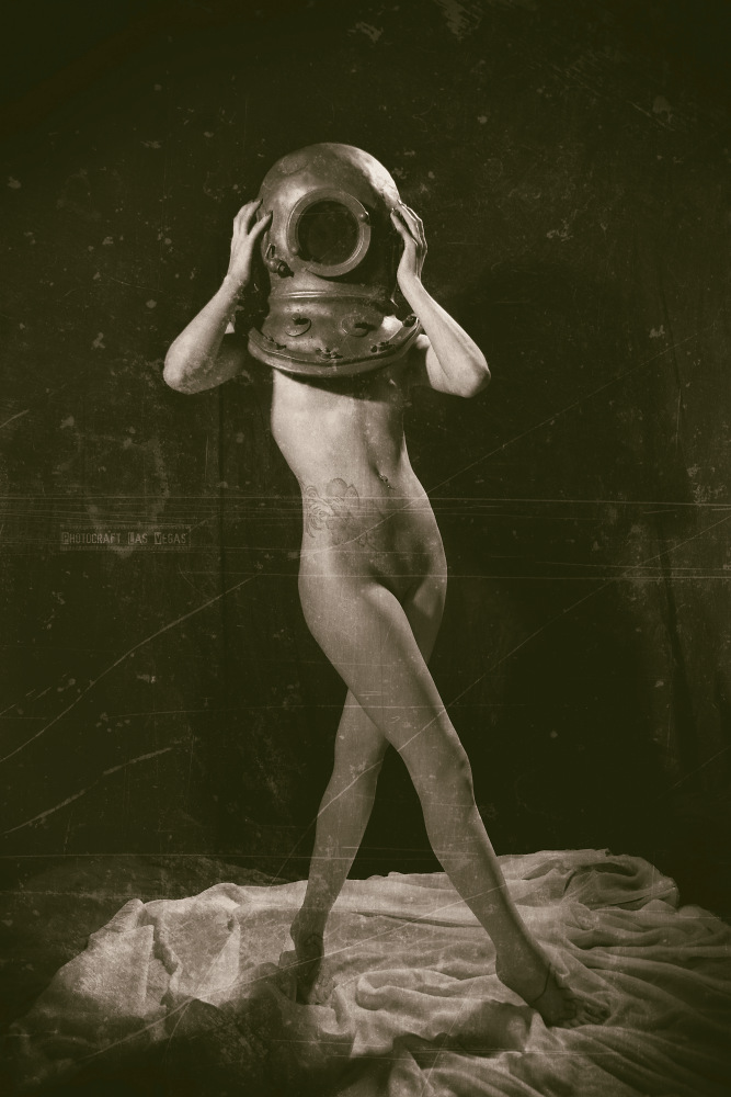 Vintage Diver Cabaret by alchemiststeve