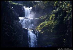 Waterfall by EmelinaS