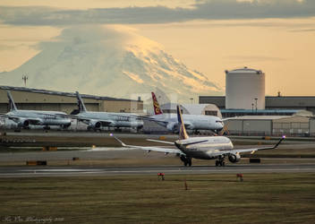 On the left, you'll see Mount Rainier.