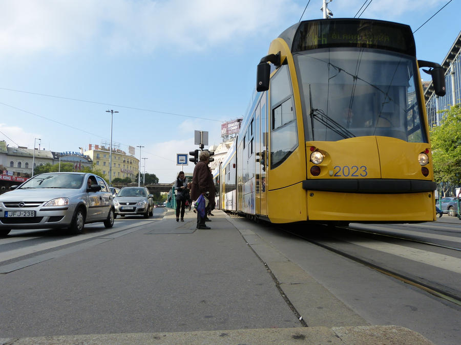 Tram in Budapest city centre by setanta5