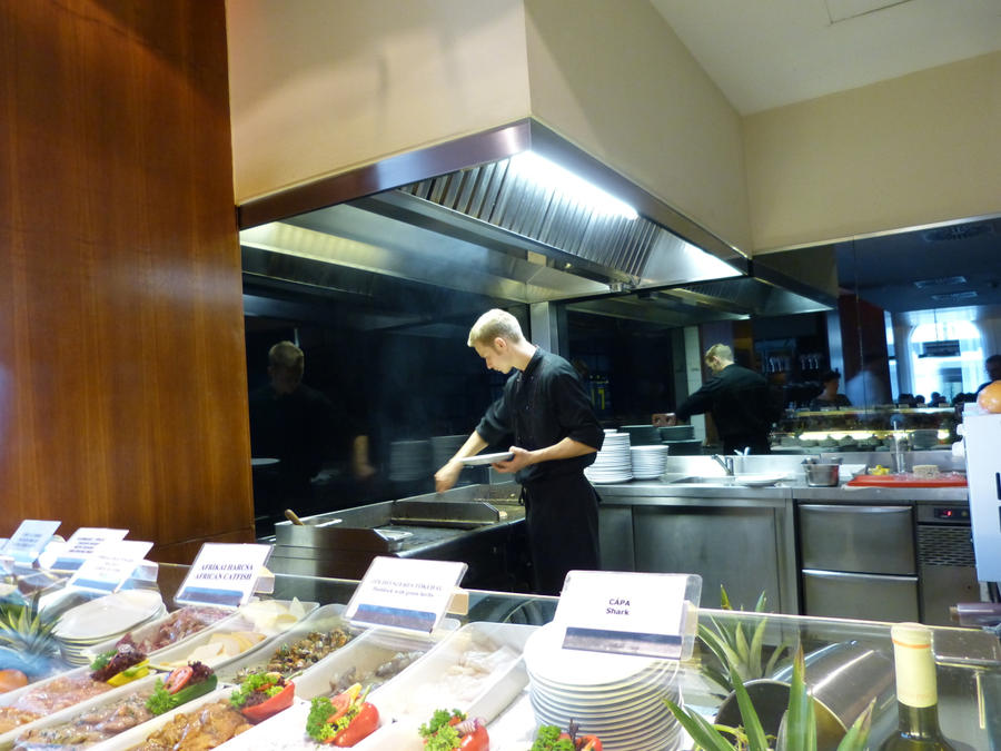 Cooking food in Trofea Grill by setanta5