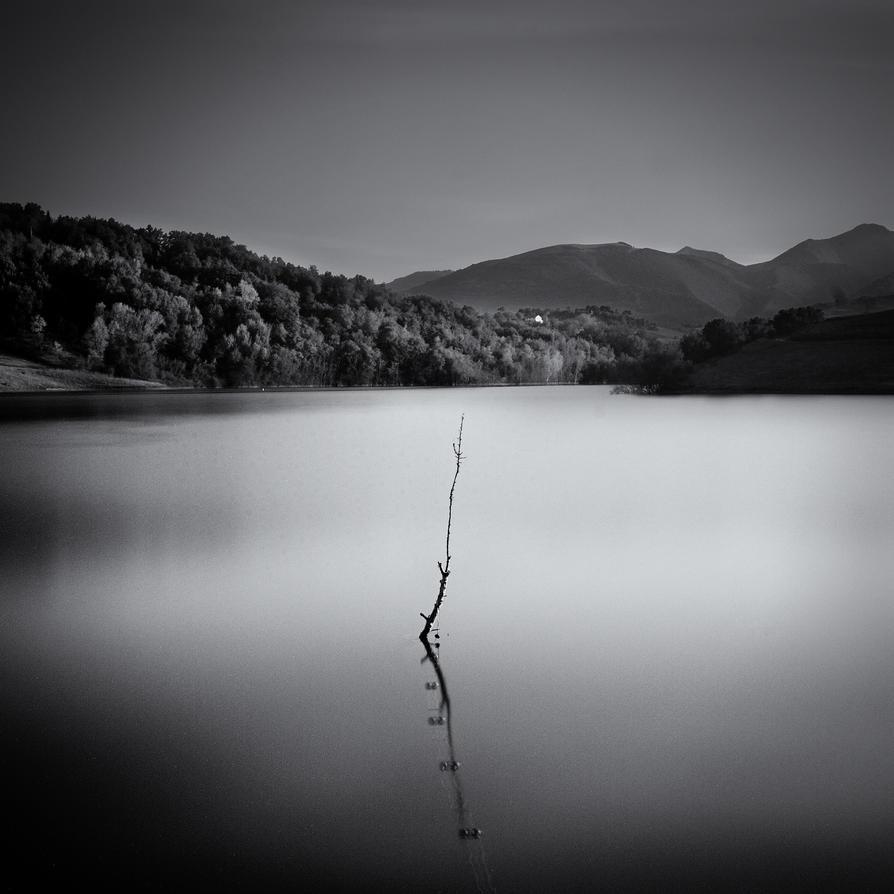Cingoli's Lake I by frescendine