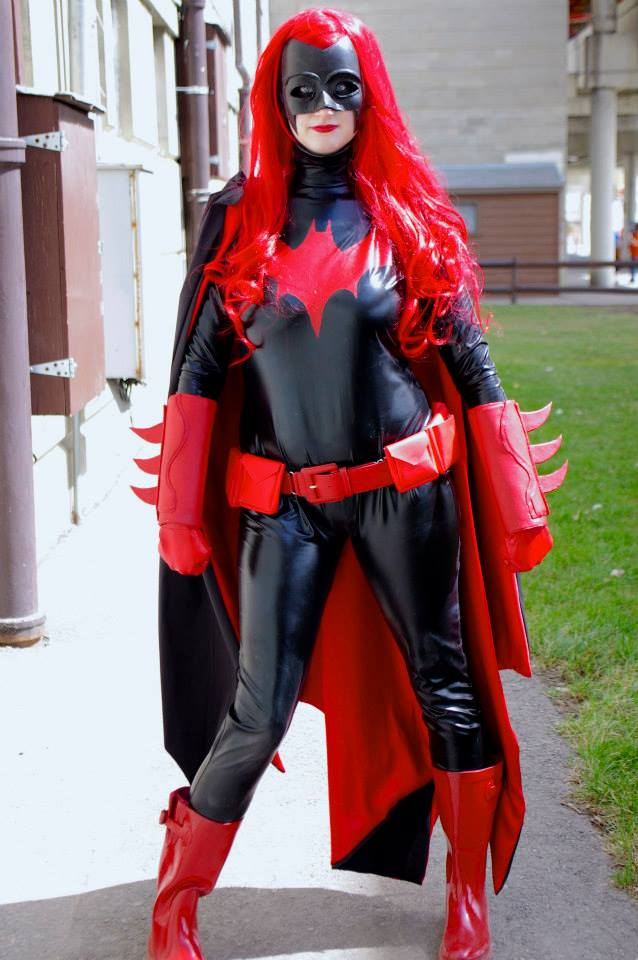 [Beyond a Shadow] - Batwoman by Merytmut