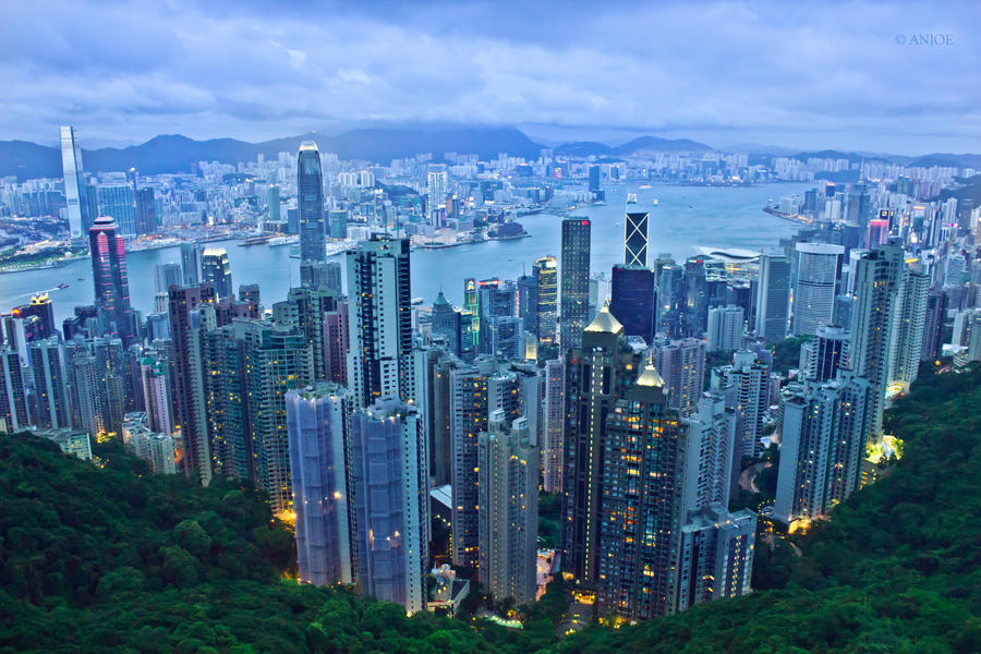 Hong Kong Skyline from The Peak by anjoeaj