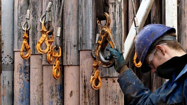 80245377 Fracking Getty copy bbc by lichtie