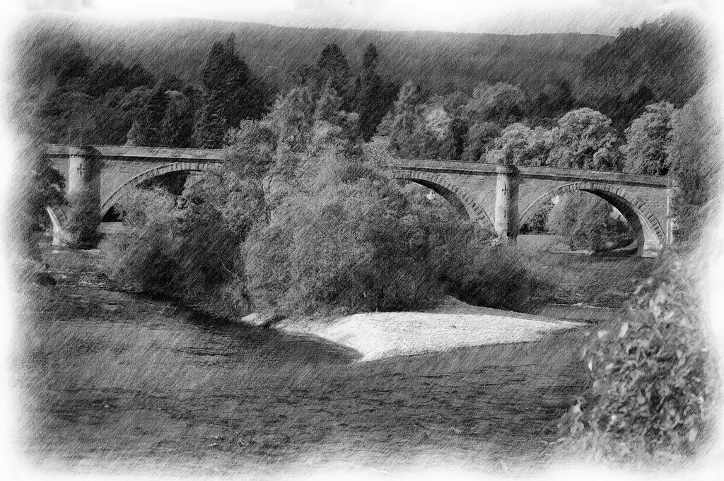 Bridge At Dunkeld-12vorgbfbw by lichtie