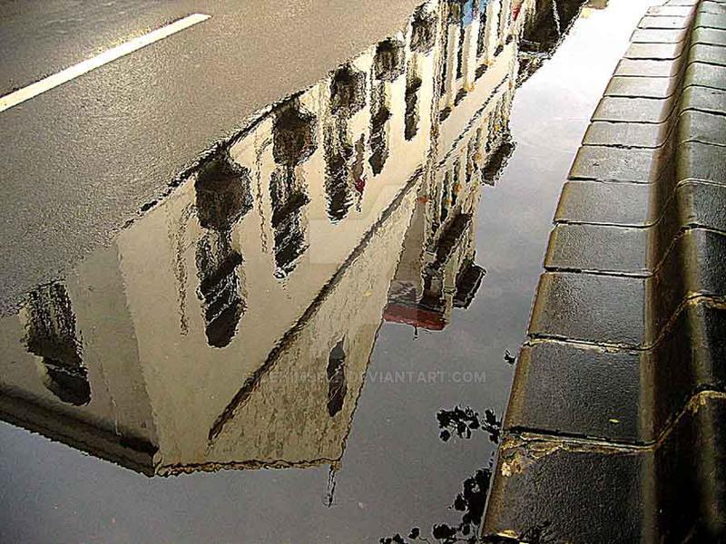 Refleksi gedung tua