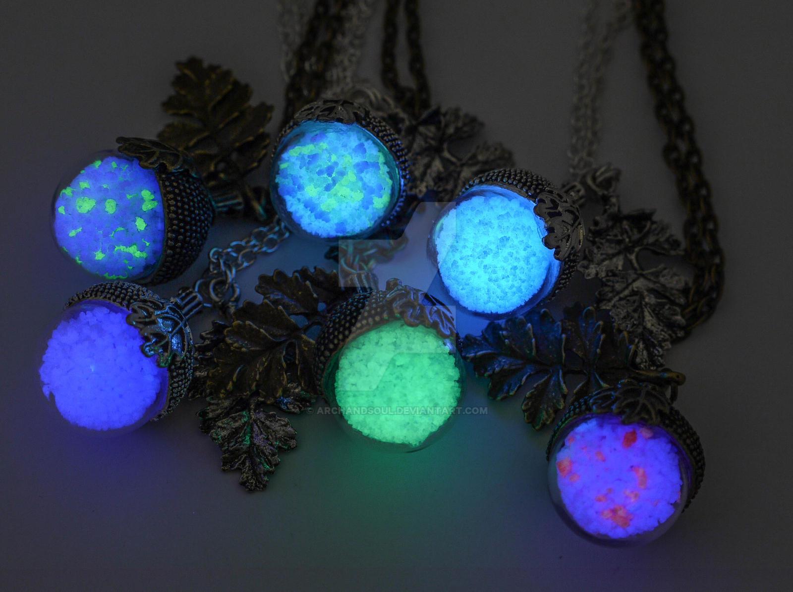 Elvish glowing acorn necklaces by archandsoul on deviantart for Acorn necklace craft
