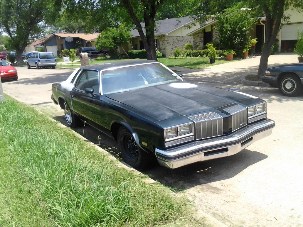 1977 Oldsmobile Cutlass Supreme Beater by TR0LLHAMMEREN on