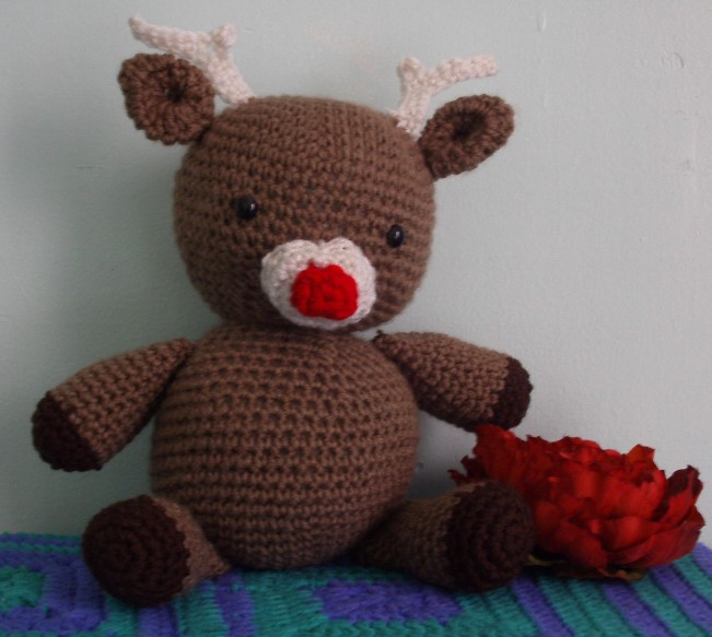 Reindeer plush (Sold but can be made upon request) by Untraceablemystic