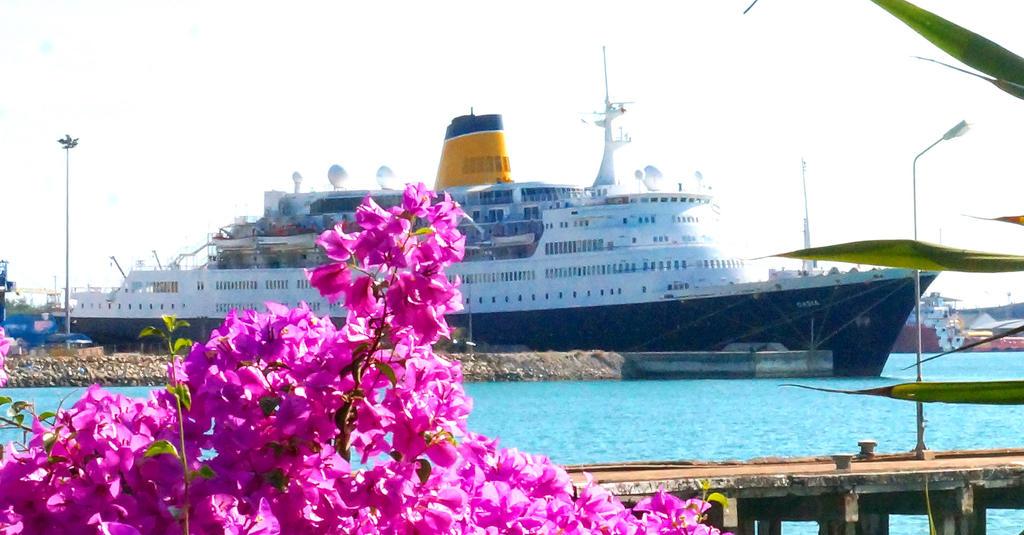 Sattahip ship by pueng2311