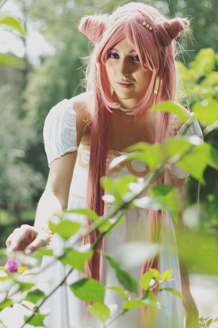 Princess Lady Serenity Cosplay Hana no mukou by konohanauzumaki