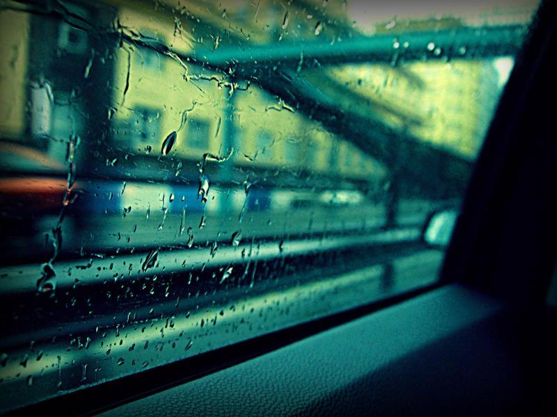 The rain on the glass by Saigleri