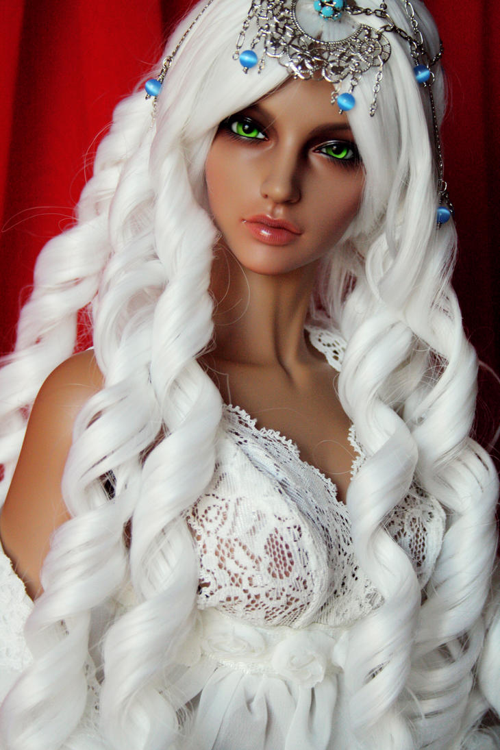 Aysha Sherewatt III by Phadme