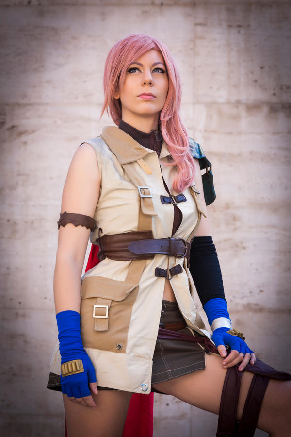 Lightning Final Fantasy XIII Cosplay by Phadme