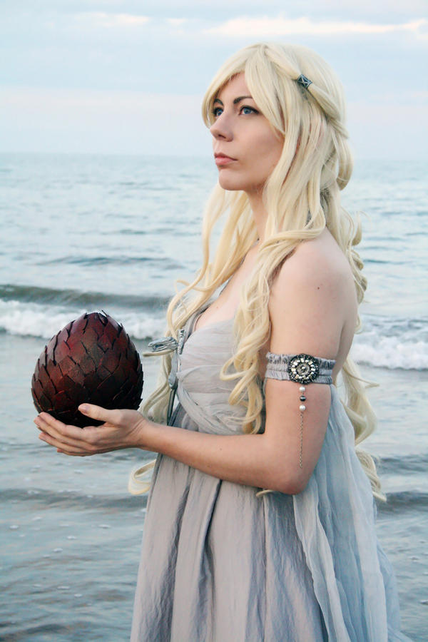 Daenerys Targaryen Cosplay III by Phadme