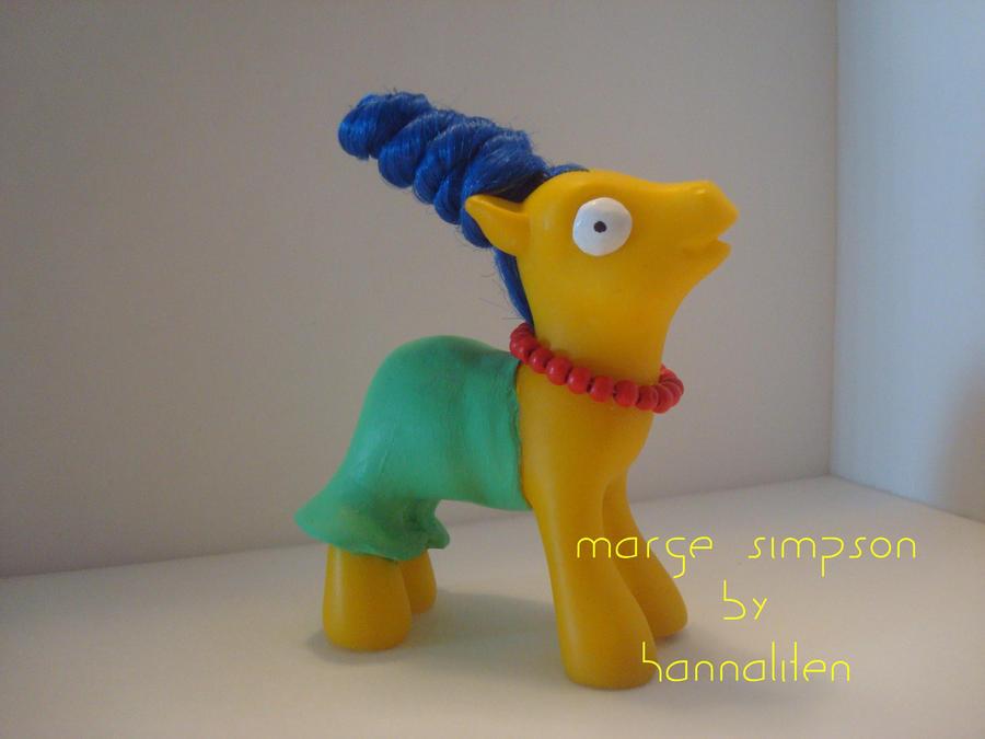 My Little Marge Simpson by hannaliten