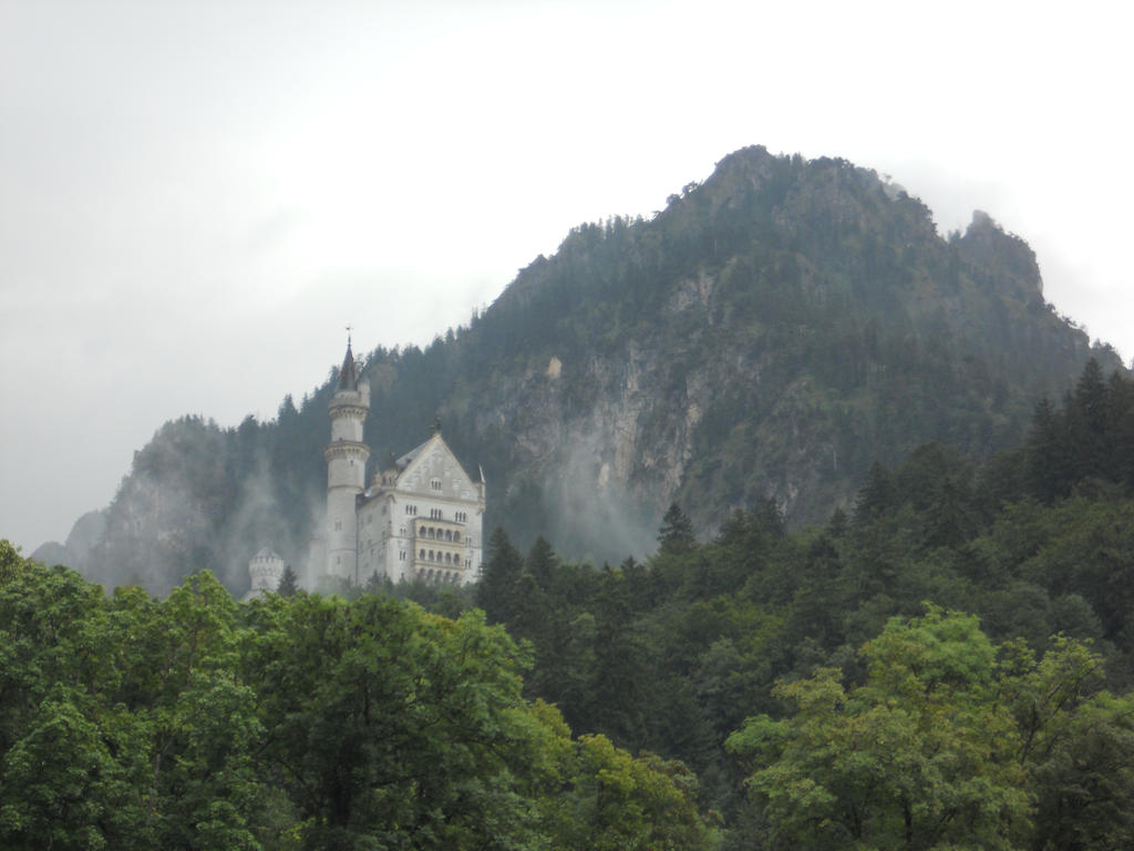 Schwangau - Castle in the Mist by Lady-Xythis