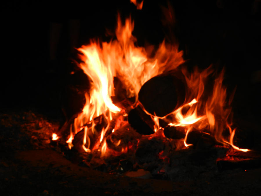 Campfire 09 by dknucklesstock