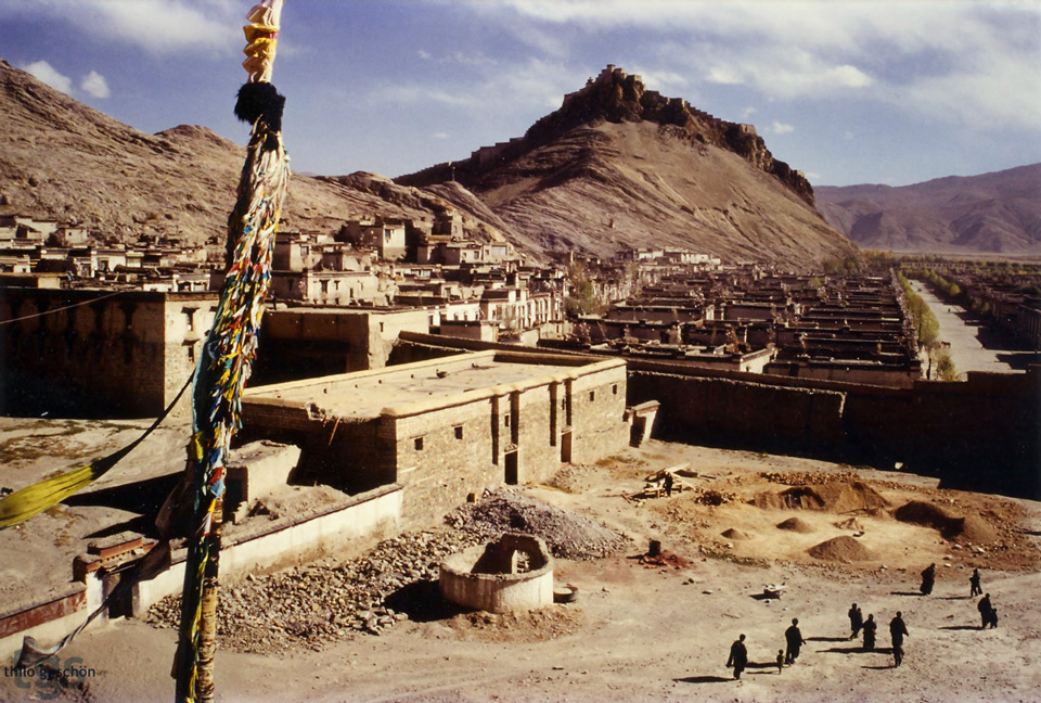 Gyantse - Tibet by JNLN