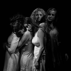 Mujeres de Arena (3) by adn-pera