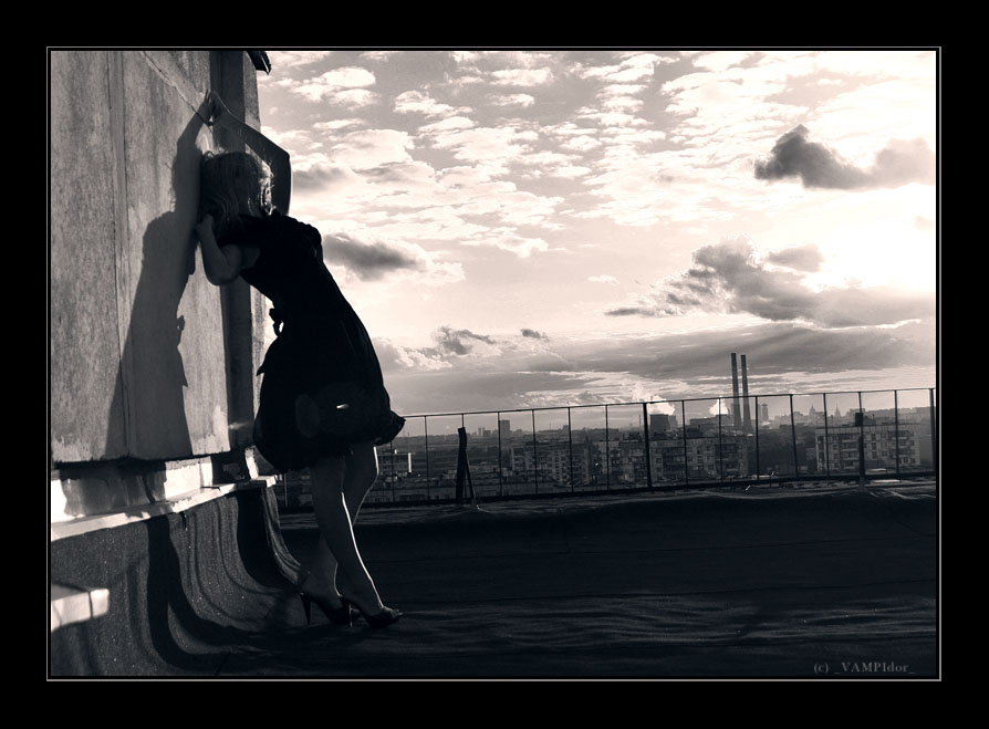 alone roof wind by VAMPIdor