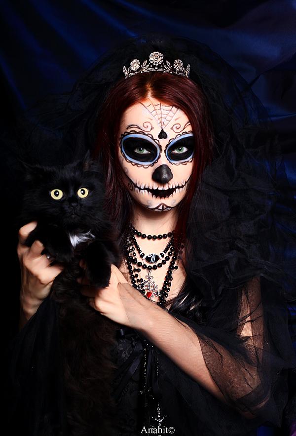 Santisima Muerte and  Liza by VAMPIdor