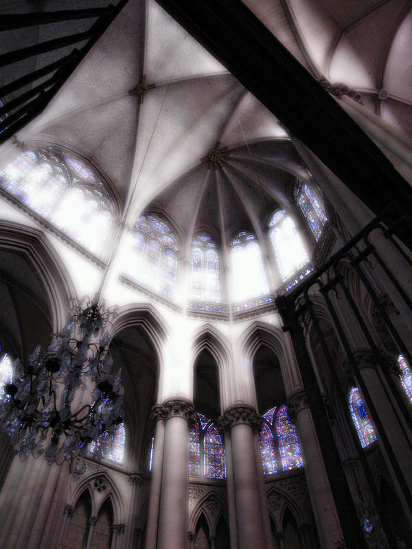 Oeuvres [Zaknafein Do'Urden] - Page 3 Lights_in_the_cathedral_by_Silberius