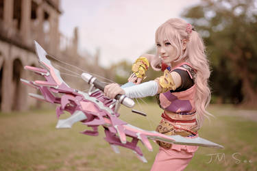 Serrah Farron Cosplay by jmsee