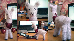 Llamas are awesome (now with pattern :D) by 666GirL666