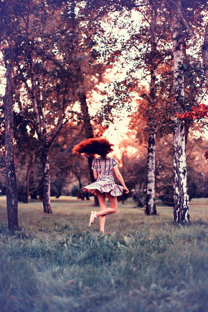 Фото дівчат в лісі