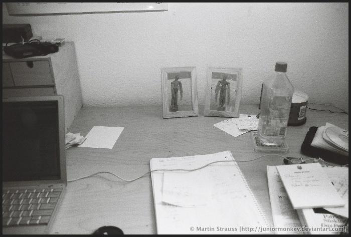 My desk-top by juniormonkey