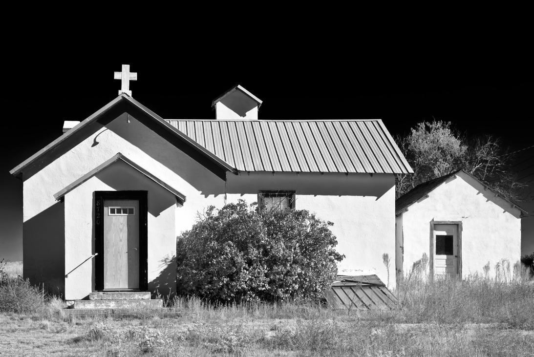 abandoned church by eDDie-TK