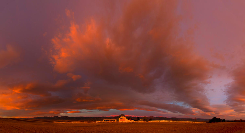 sunrise at the flag barn by eDDie-TK