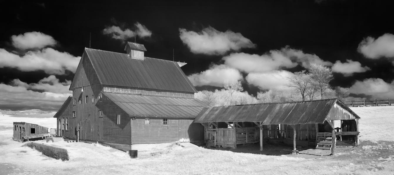 down on the farm - infrared by eDDie-TK