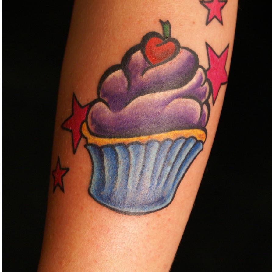 cupcake tattoo by dv8ordeath