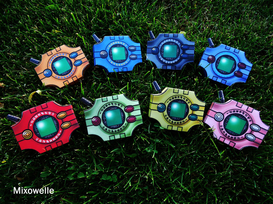 [Digimon Adventure] All Digivices - Papercraft by Mixowelle