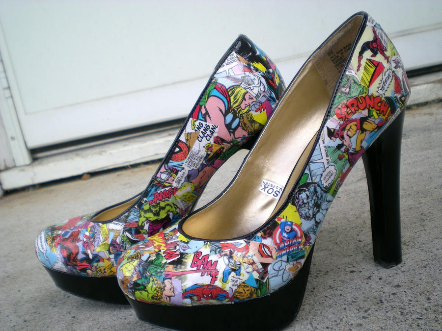 Marvel Comics shoes are available in a huge range of different colors and styles with most of the biggest names in the vast Marvel pantheon regularly appearing emblazoned on all kinds of memorabilia. If you love Spider-Man, you may be interested in a pair of Marvel shoes featuring the Web Slinging Wonder.
