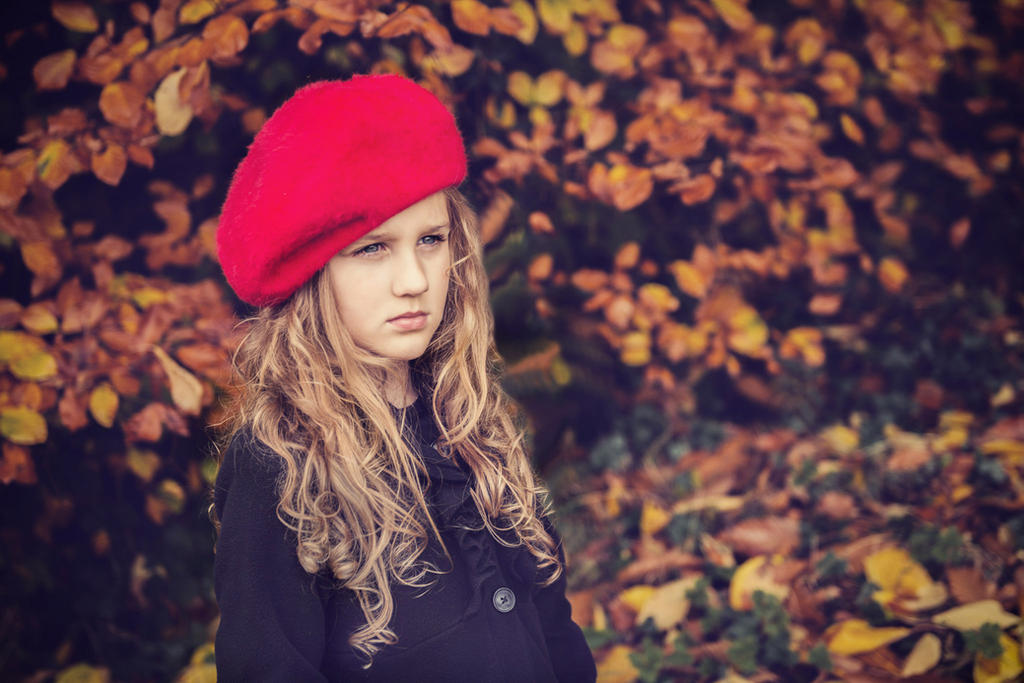 autumn girl by monikha