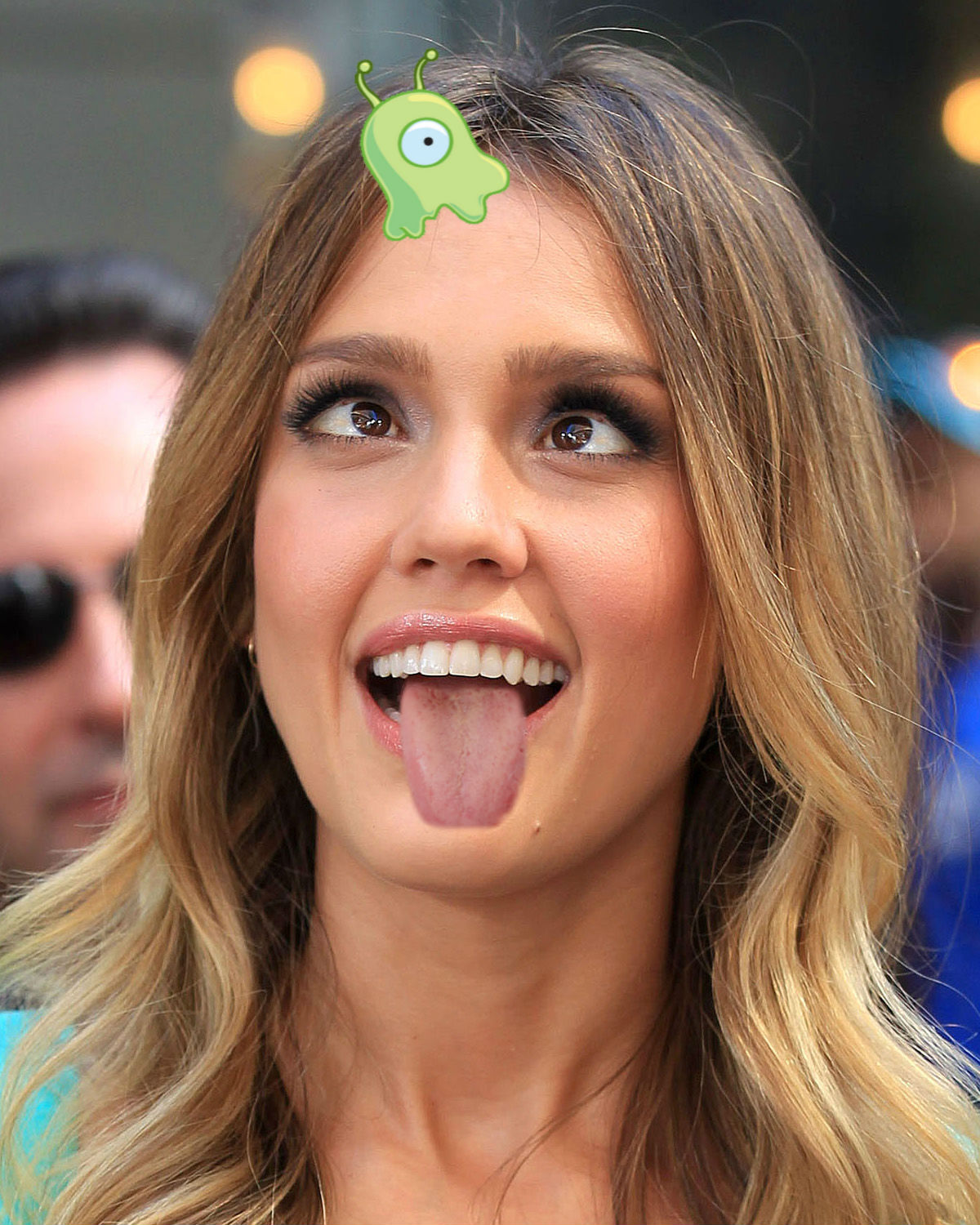 Jessica Alba gets silly by 0526663897 on DeviantArt
