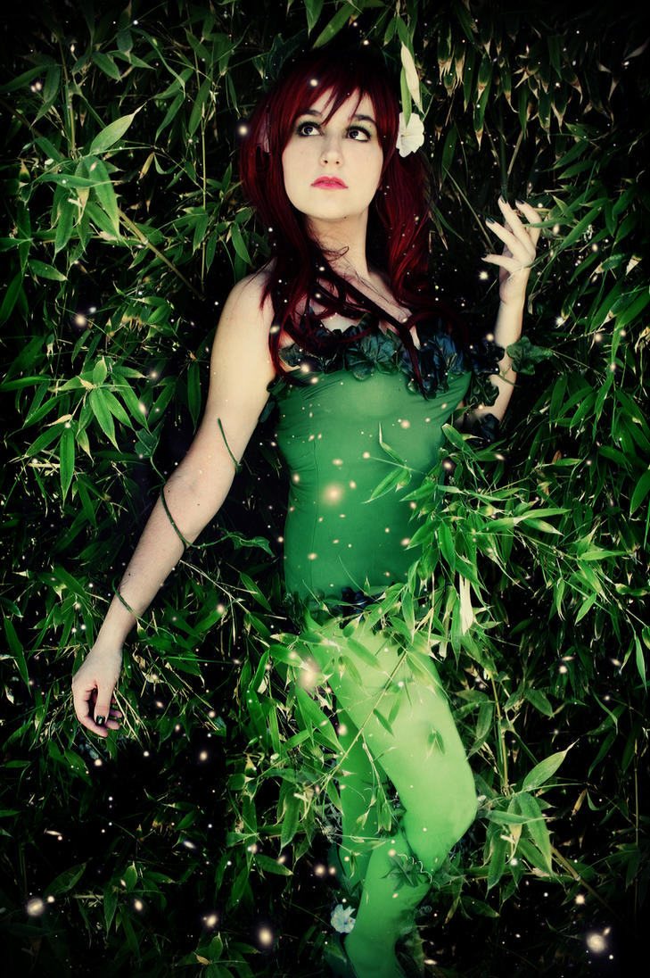 Poison Ivy - DC Comics by MixUpCosplay