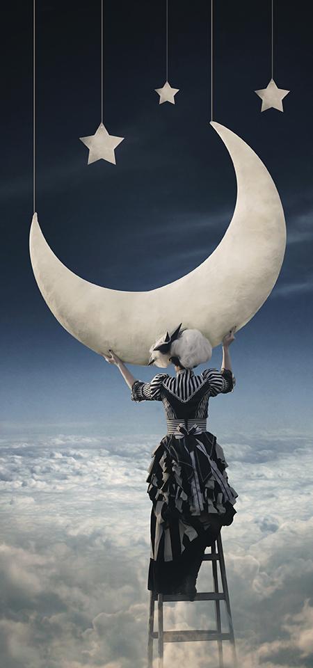 Crescent Moon by BenjaminHaley