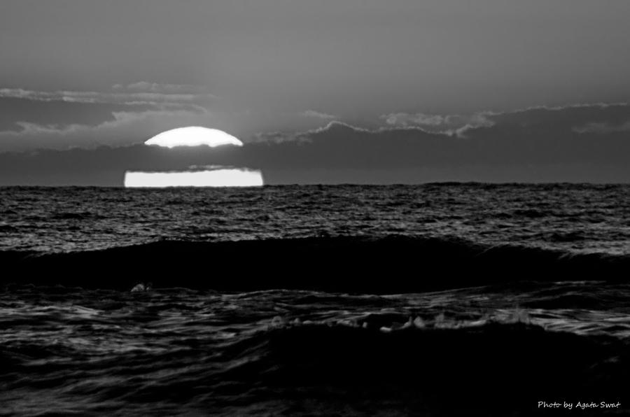 Sea in the black and white... by AgataSwat on DeviantArt