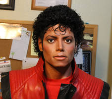 Lifesize 1/1 Michael Jackson Thriller statue/bust