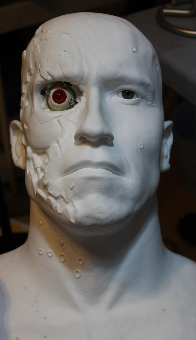 Terminator 2 Stage 5 Battle Damage 1/1 bust WIP! by godaiking