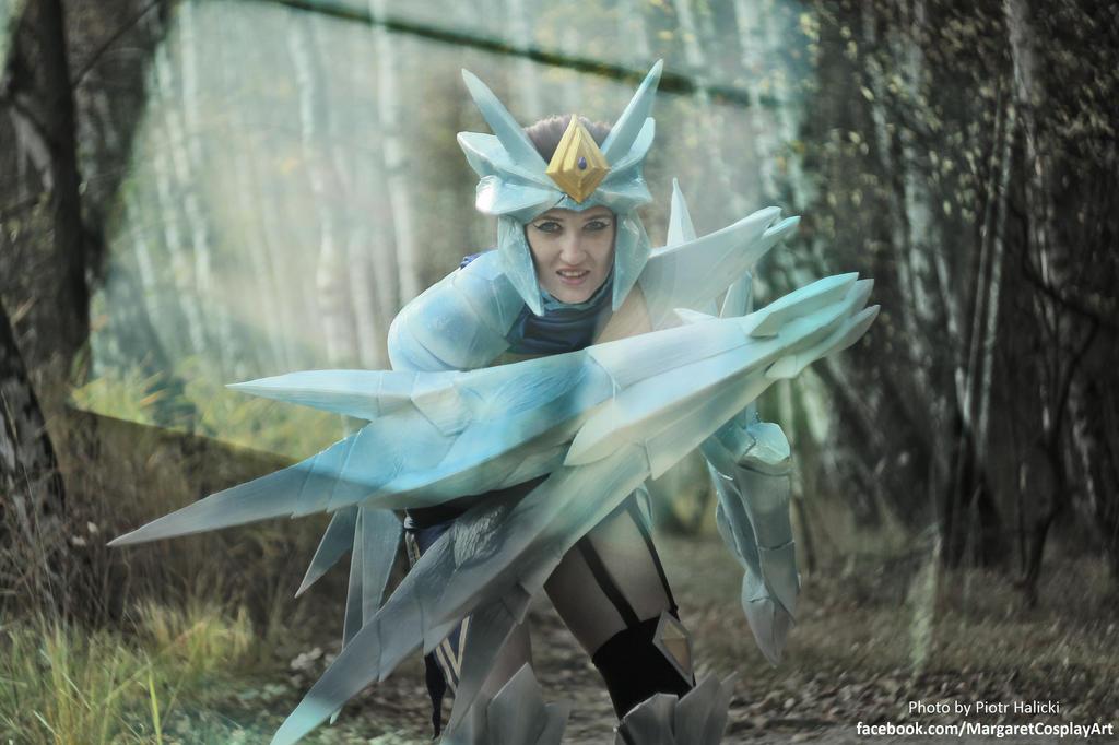 ice drake shyvana cosplay - photo #9