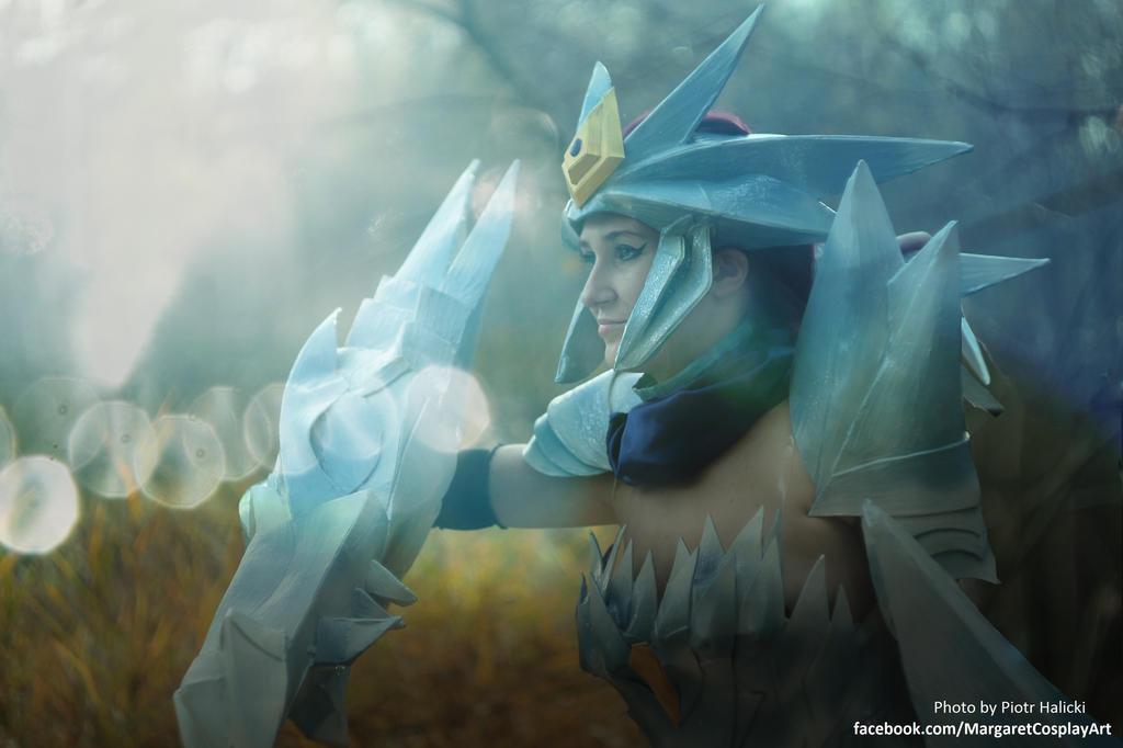 ice drake shyvana cosplay - photo #20